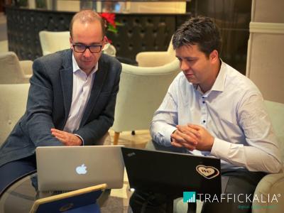 Víctor y Enrique. Trafficker Digital. Trafficklia Agencia